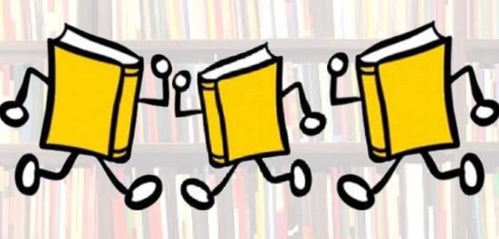 Znalezione obrazy dla zapytania gif wędrująca książka
